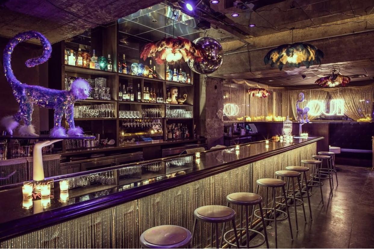 hidden bar at noelle hotel