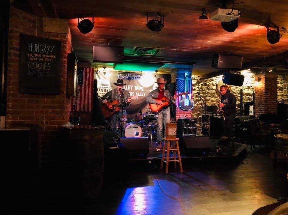 Alley Taps Nashville Live Music Bar